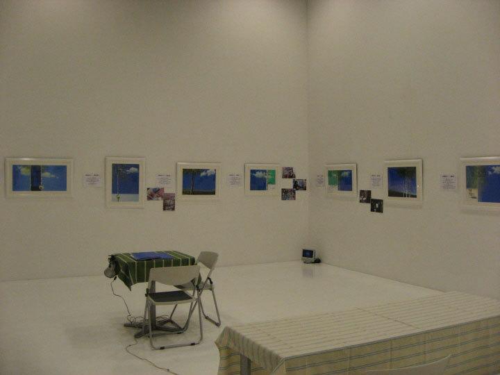 青森県立美術館の会場風景