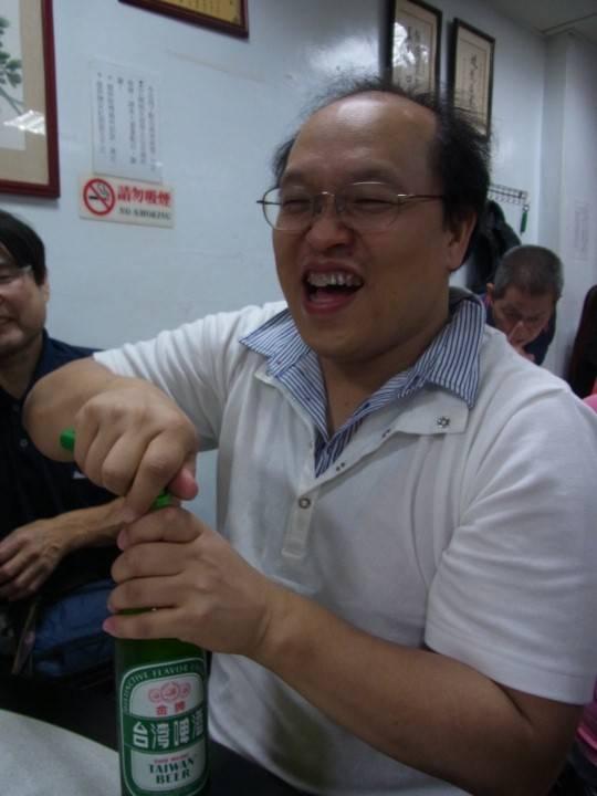 ビール片手にMASAHIKOさん