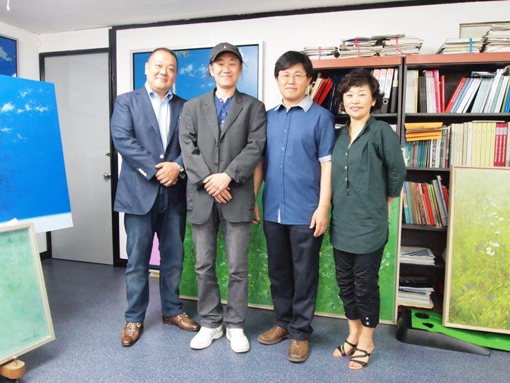 左から/藤村(FCA代表)、キム・キェファン、キム・ソングン、ソングン先生の奥様