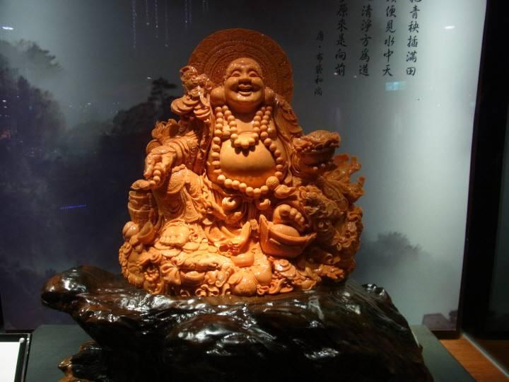 珊瑚の彫刻