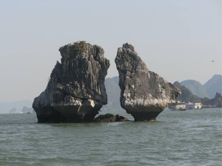 迫力満点の夫婦岩
