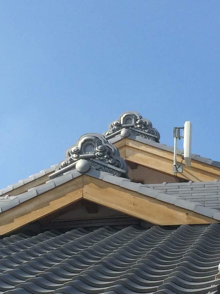 こちら新美様宅の、屋根瓦