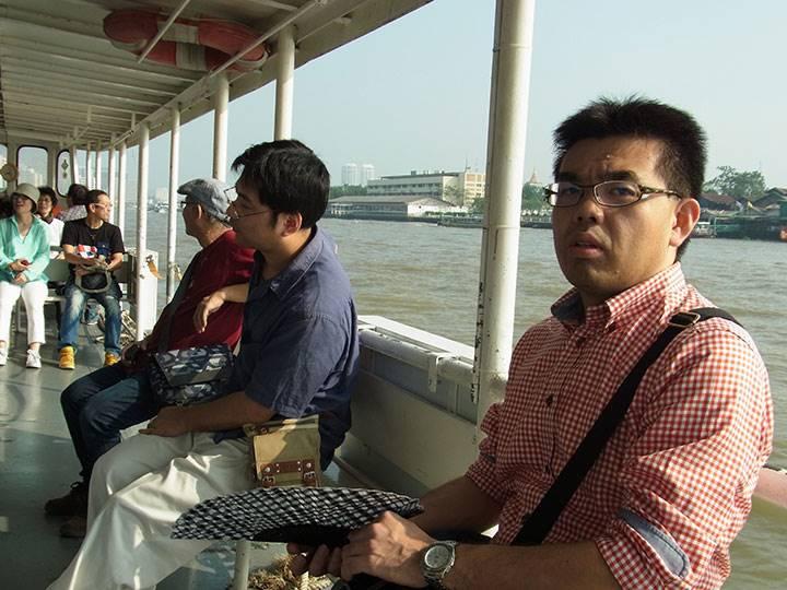 チャオプラヤー川にて