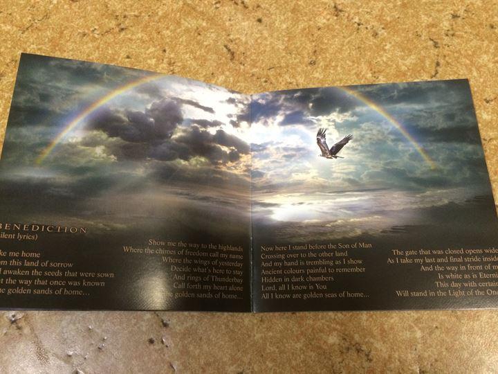 歌詞カード 3.