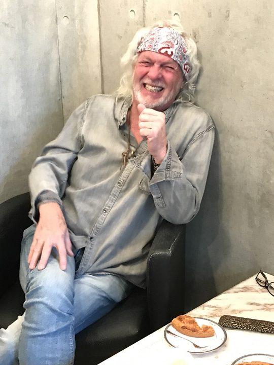 スティーブ・ホールマークの顔写真