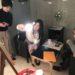 銅版画家YUI画伯、フジムラコンテンポラリーアート来場の様子